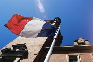 Francouzští vinaři ve velkém falšovali víno z Bordeaux