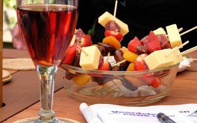 Párujeme víno s jídlem: K jakému raději plísňový sýr a které si více rozumí s čokoládou?