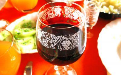Vinaři vyrobí přes dva miliony lahví Svatomartinského. Vytlačilo někdejší božolé