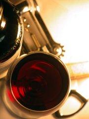 Dobrá vína, která stojí za ochutnání: I v létě potěší červené